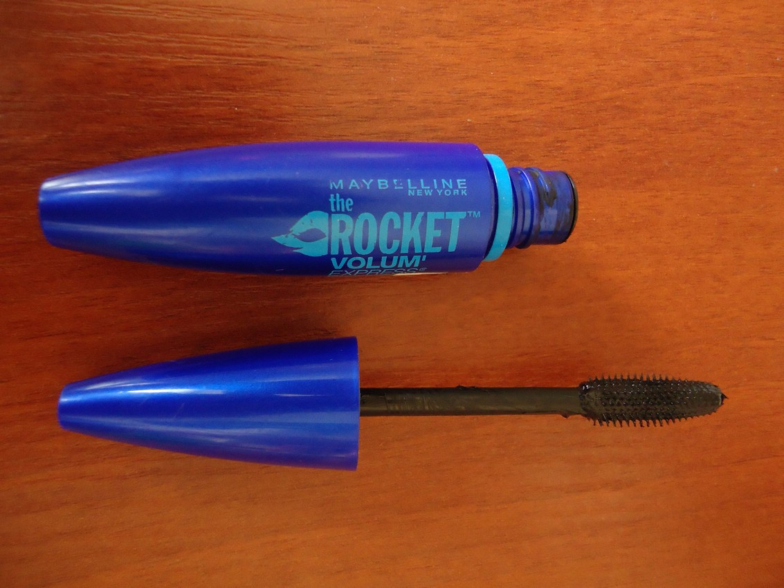 Тушь для ресниц Maybelline The Rocket volum' express waterproof