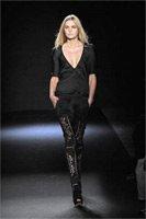 Модный летний тренд — вся в черном