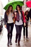 Идеи летних нарядов для дождливой погоды