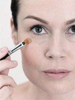 Как с помощью макияжа скрыть морщинки?