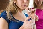 К курению подростков приучает телевидение