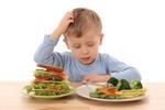 Как отвлечь ребенка от вредных продуктов