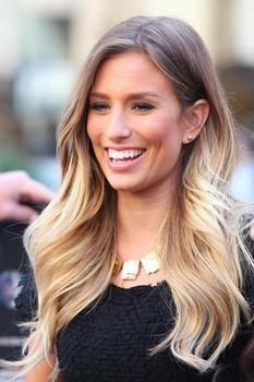 Окрашивание волос поможет всегда выглядеть по-новому и непревзойденно