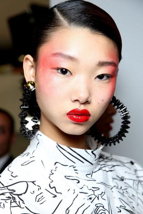 Модные тенденции в макияже на лето 2017