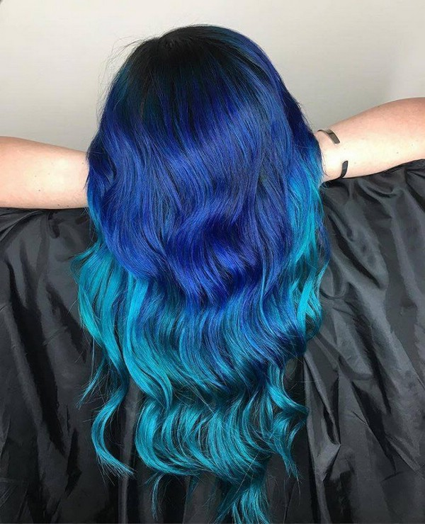 Синий оттенок волос